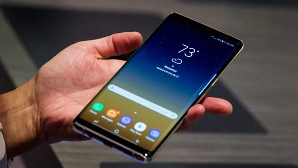 Smartphone tràn viền đang dần chiếm lĩnh trên thị trường