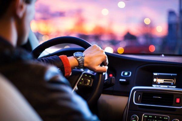 Tác hại nghiêm trọng khi tăng, giảm ga xe ô tô đột ngột