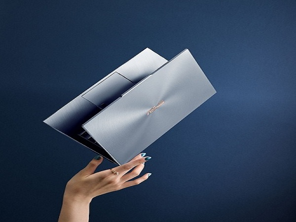 Asus giới thiệu laptop có tai thỏ ngược đầu tiên trên thế giới
