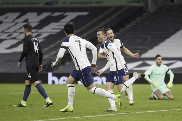 Nhận định trận đấu Wycombe vs Tottenham, 02h45 ngày 26/1